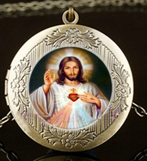 Personalized Sacred Heart of Jesus Brass Locket