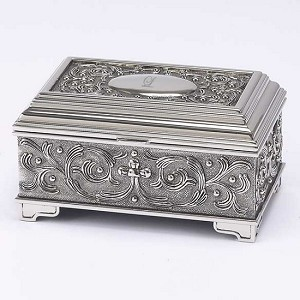 Personalized Silver Vineyard Jewelry Box
