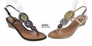 Dizzy Zodiac Sandal in Gold