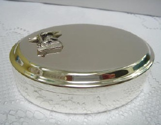 Personalized Engraved Silver Oval Box with Graduation Cap Medallion
